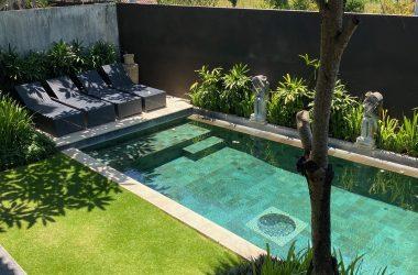 villa's pool view